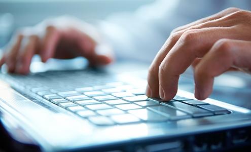 Registro de documentos en las oficinas colegiales de Palma
