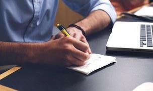 Prácticas en despachos de abogados y trabajos fin de máster