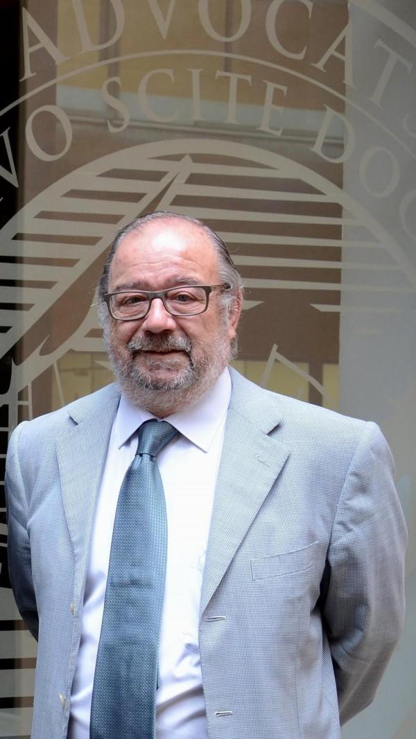 1 de febrero.- Acto solemne de toma de posesión de la Junta de Gobierno, entrega del Premio Miquel Degà Frontera a la Ética Jurídica al señor Ladislao Roig y jura