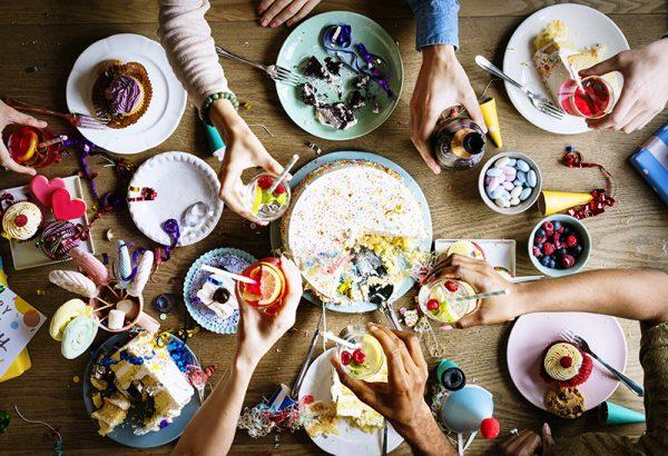Viernes 3 de noviembre, fiesta colegial anual y comida de compañerismo en Ibiza